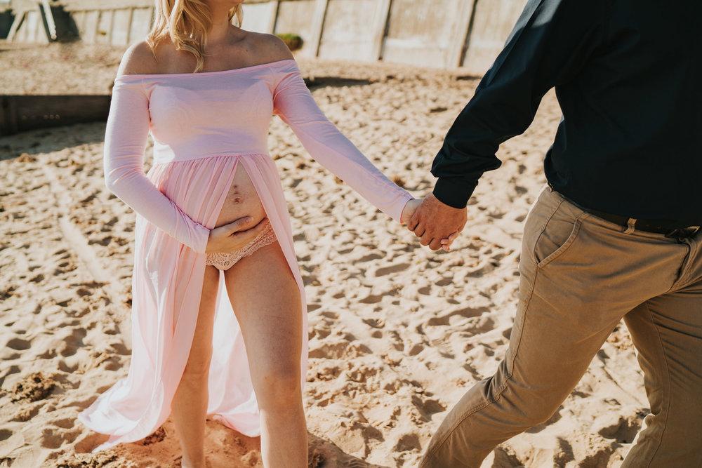 jess-kerion-maternity-27-weeks-pregnant-baby-girl-grace-elizabeth-colchester-essex-alternative-wedding-lifestyle-photographer-norfolk-suffolk-devon-kent-lifestyle-session (24 of 41).jpg
