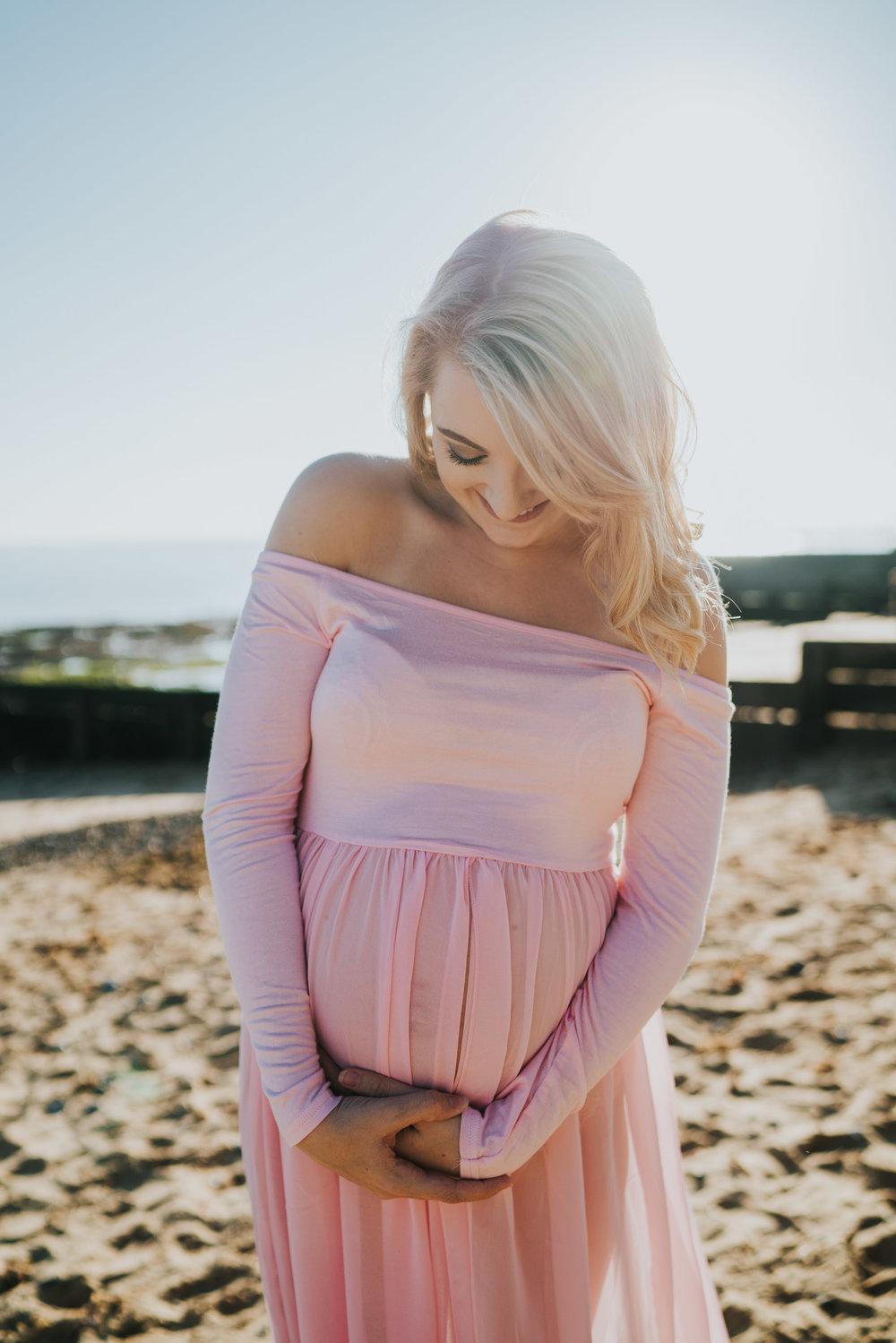 jess-kerion-maternity-27-weeks-pregnant-baby-girl-grace-elizabeth-colchester-essex-alternative-wedding-lifestyle-photographer-norfolk-suffolk-devon-kent-lifestyle-session (28 of 41).jpg