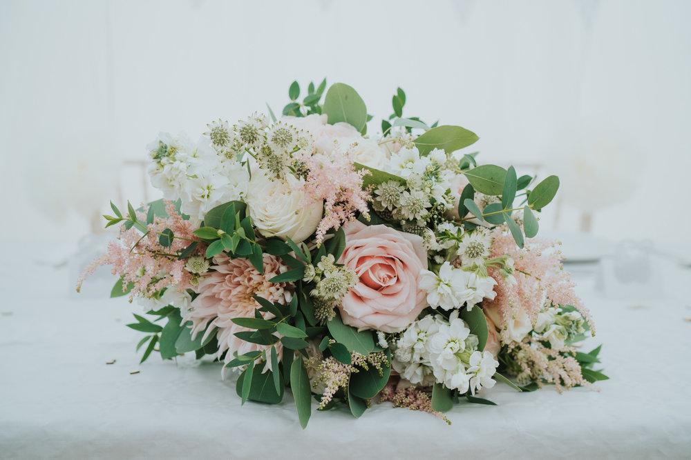 intimate-english-church-wedding-sarah-alex-colchester-essex-grace-elizabeth-colchester-essex-alternative-wedding-lifestyle-photographer-essex-suffolk-norfolk-devon (88 of 92).jpg