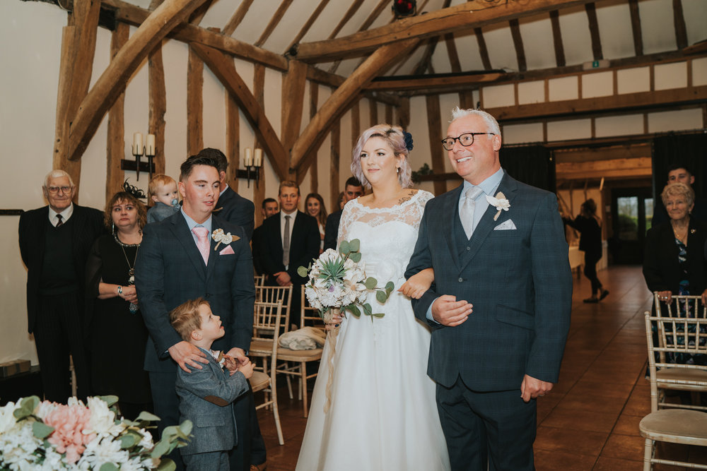 rhia-james-rustic-crabbs-barn-vintage-50s-retro-wedding-grace-elizabeth-colchester-essex-alternative-relaxed-wedding-family-photography-devon-suffolk-norfolk-essex (70 of 138).jpg