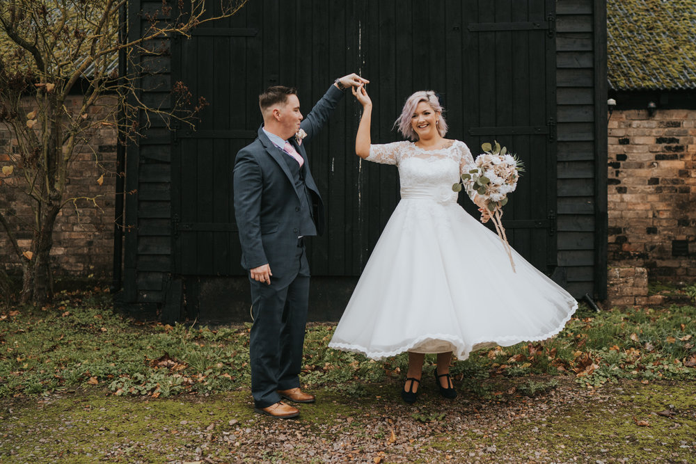 rhia-james-rustic-crabbs-barn-vintage-50s-retro-wedding-grace-elizabeth-colchester-essex-alternative-relaxed-wedding-family-photography-devon-suffolk-norfolk-essex (85 of 138).jpg