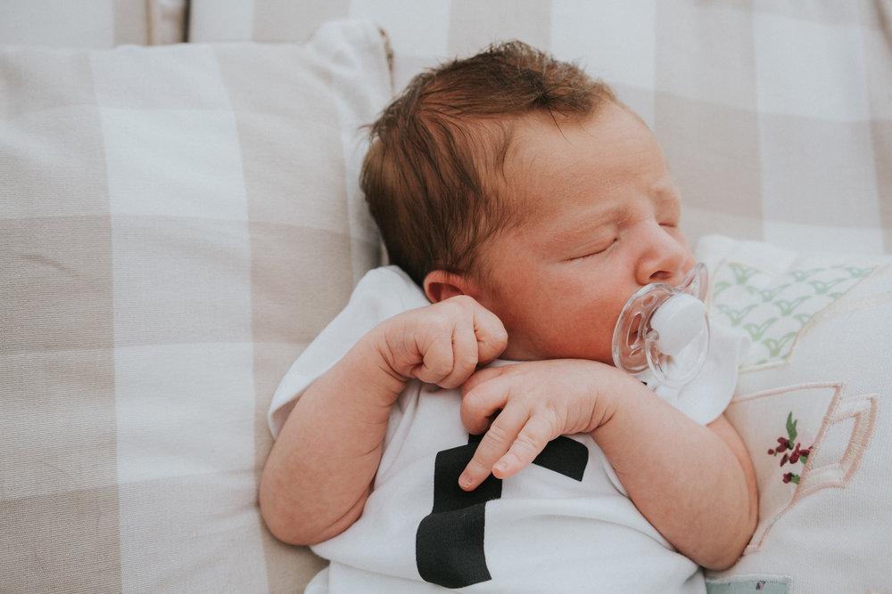 fletcher-newborn-mini-session-grace-elizabeth-colchester-essex-wedding-lifestyle-newborn-photographer-essex-suffolk-norfolk-devon (20 of 23).jpg