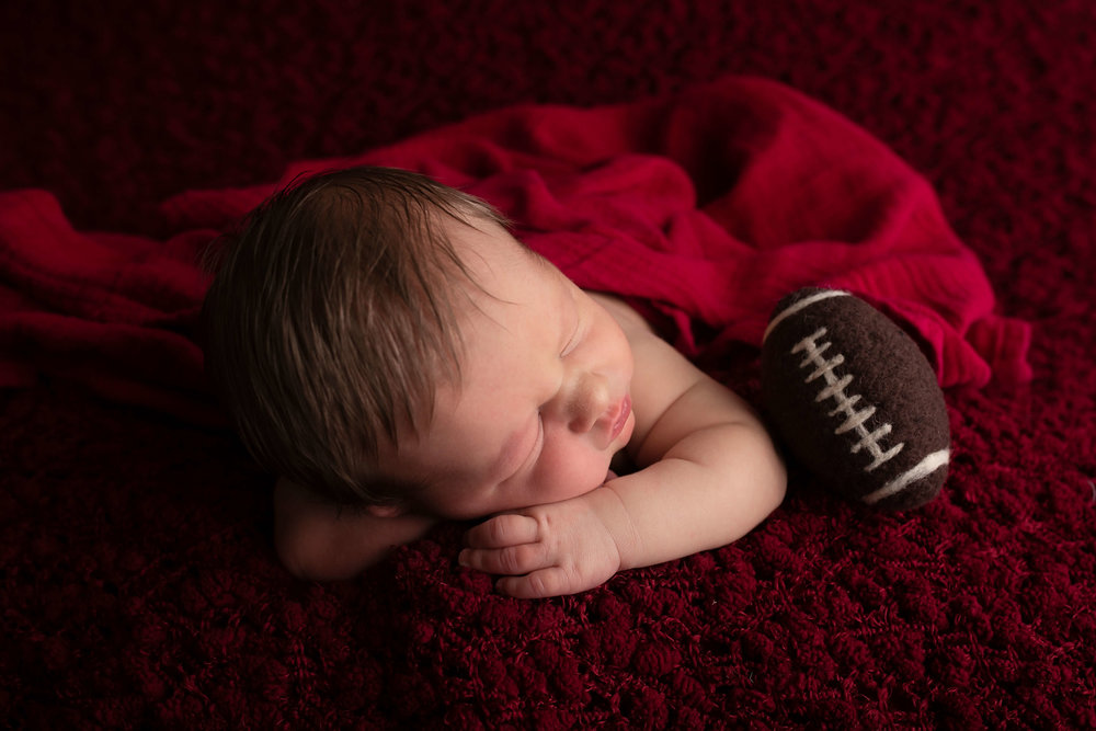 18_10_22 Allison Hand_Collin Brady Newborn Session101.jpg