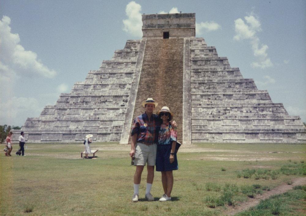 Chichen Itza 1990.jpg