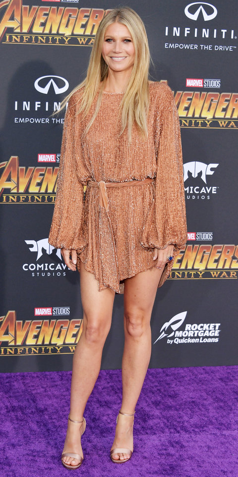 Gwyneth Paltrow - Wowed us in this Retrofêtedress. And her legs looked even longer in her nude strappy heels.