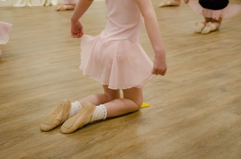 Cygnets Primary ballet dance class at En Pointe, York