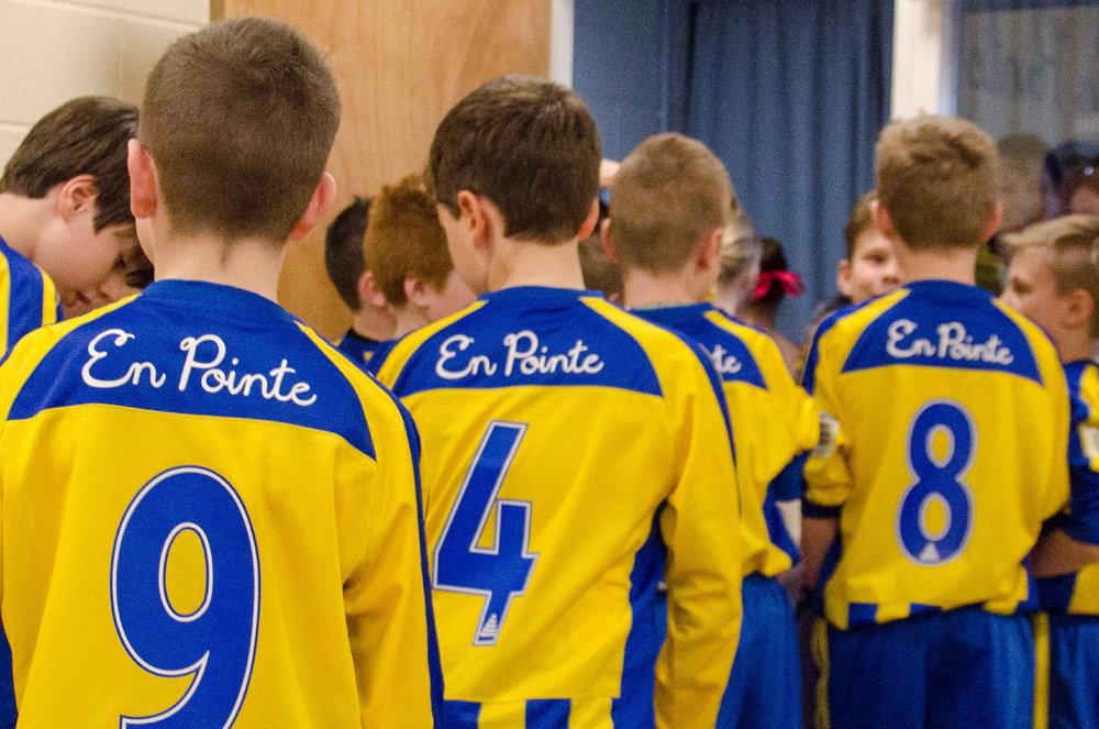 Under-11-wearing-new-football-sponsor.jpg