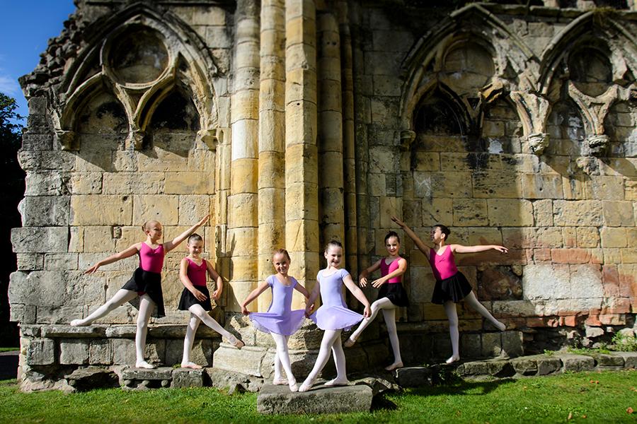 beautiful_young_ballet_dancers_york.jpg