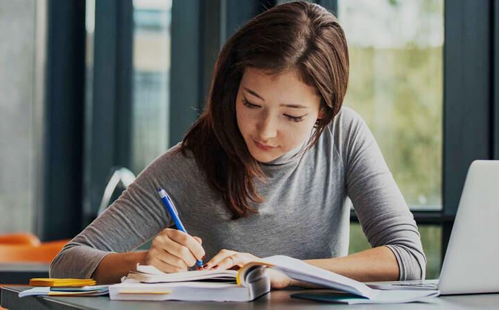 iac-thumb-scholarship.jpg