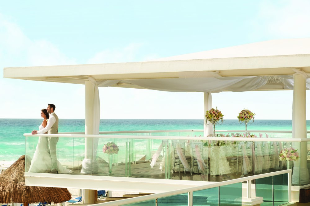Gran Caribe Cancun Wedding Gazebo Couple