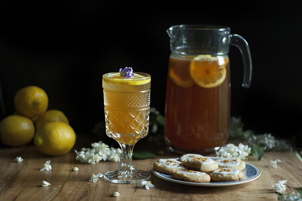 Chamomile + Bee Pollen Bourbon Tea + Spiced Honey Cookies