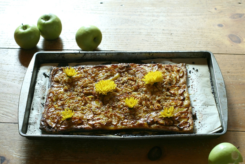 Turmeric Chai Golden Spiced Apple Tart