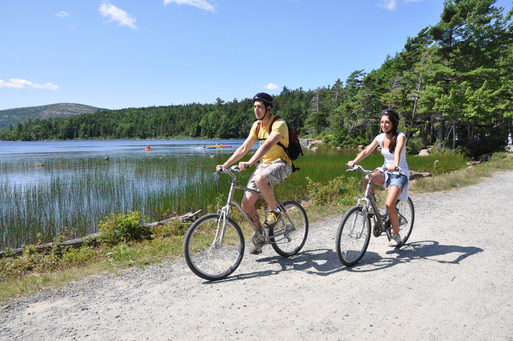Biking couple at Eagle Lake 3.jpg