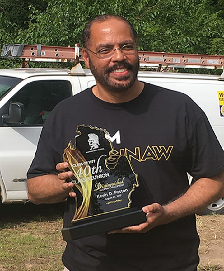 Kevin_Award_03.jpg