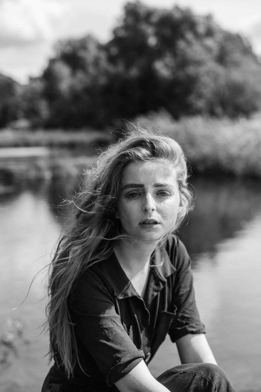 whitley_isa_belgisch_portret_mode_fotograaf_genk_limburg_belgie_belgian_portrait_fashion_photographer_brussels_prijslijst_tarieven_priceguides_rates_fashionfotos_editorial_027.jpg