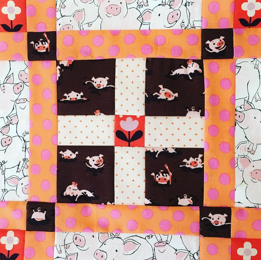 Okay. This block by  @kpabst  just made me happy as a pig in mud. I kept giggling, and I also really want to buy some of that piggy fabric now!