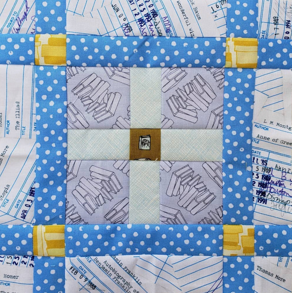 I love the library theme that  @ely_sews  achieved with this block. Even her yellow accent pieces remind me of stacks of books.