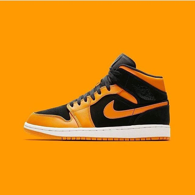 "Nike Air Jordan 1's "" Orange Peel "" 🍅 cop or drop ? . . Stop by and drop off your Sneakers to get them looking like new again or shop our rare supply of kicks! . . #sneakerclinic #shoe #sneaker #clean #service #yeezy #jordan #boost #nike #addidas #drycleaner #rare #sneakerhead #shoesaddict #shoelover #fashion #photogrpahy #streetstyle #highend #suede #leather #collector #independentbusiness #minneapolismn #hypebeast #hypebeastkicks #kotd #soleroom"