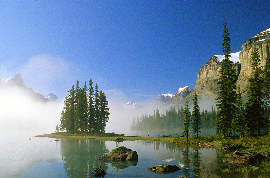 Spirit Island_Maligne Lake