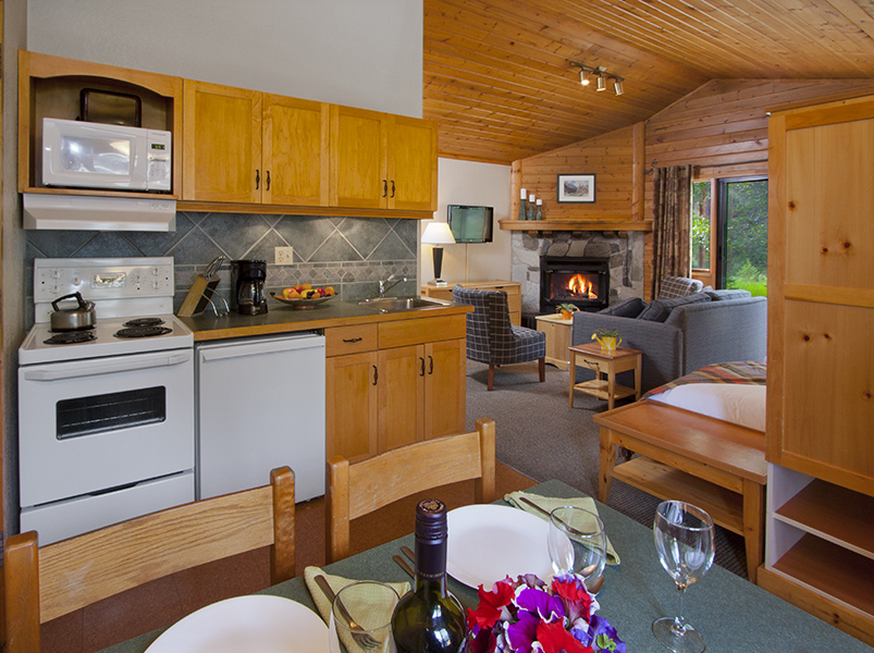 chalet suite 28 kitchen.jpg