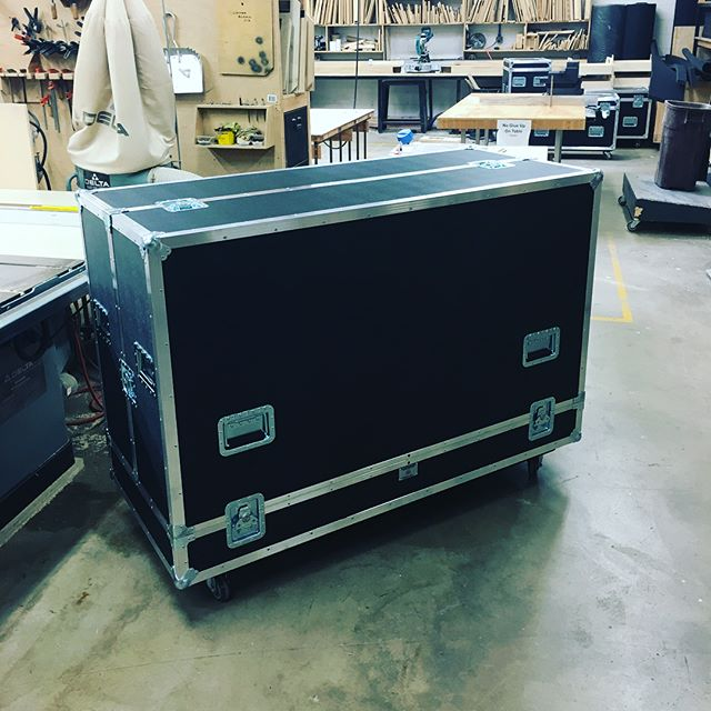 New upright piano shell case for @shinedown as they are in town rehearsing before heading off to Detroit! Thanks guys • • • #MadeBySlam #Slamhammer #gear #case #roadcase #flightcase #live #event #production #music #industry #backstage #mpls #mn #electronics #workshop #woodshop #wood #woodwork #woodworking #photography #videography #picoftheday #photooftheday #madebyhands #shinedown #piano