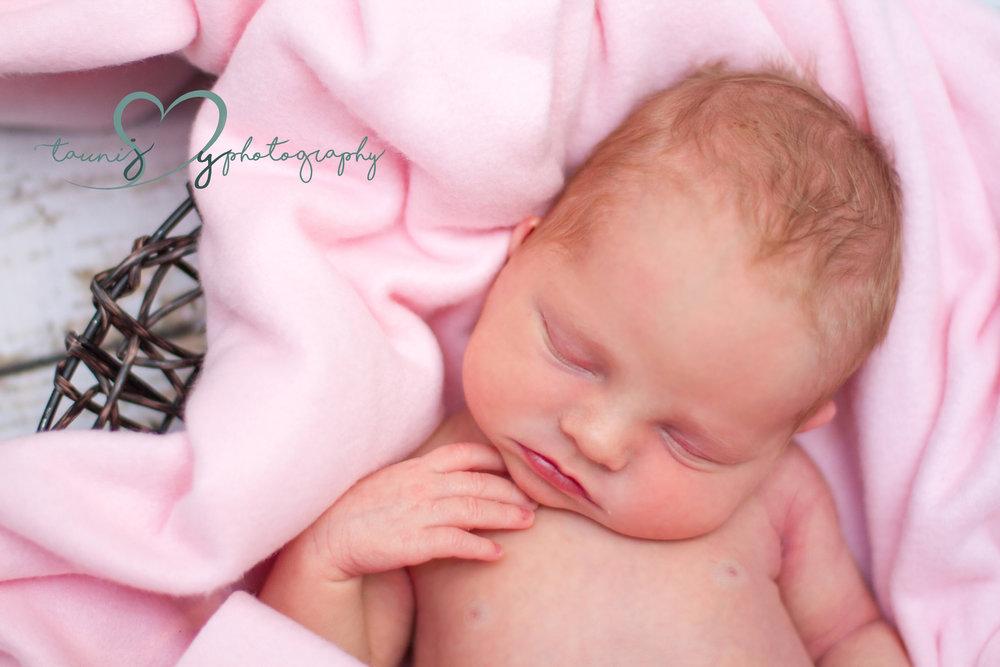 Look at her sweet cheeks !