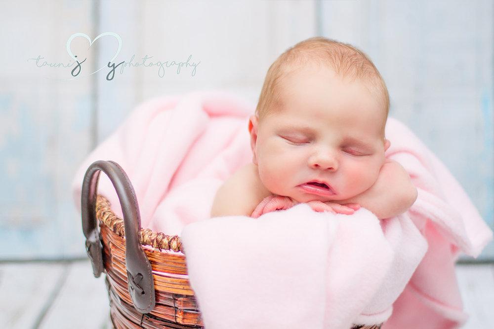 cedar park newborn photographer