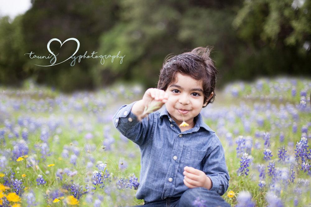 Bluebonnet session texas photographer Tauni Joy Photography