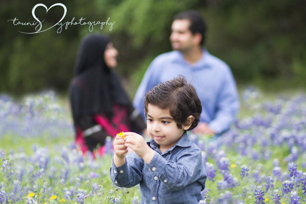 Blue bonnet photography session by Tauni Joy Photography
