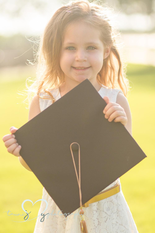 Austin Texas graduation photography Tauni Joy Photography  toddler photography mom graduates