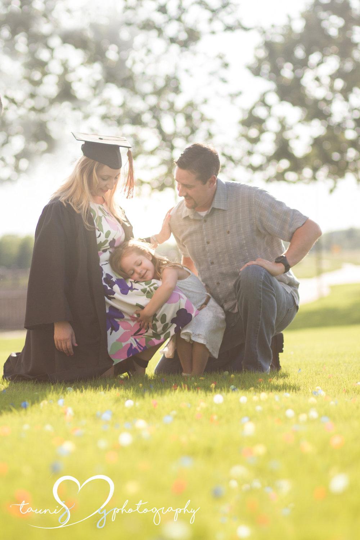 Austin Texas graduation family  photography Tauni Joy Photography