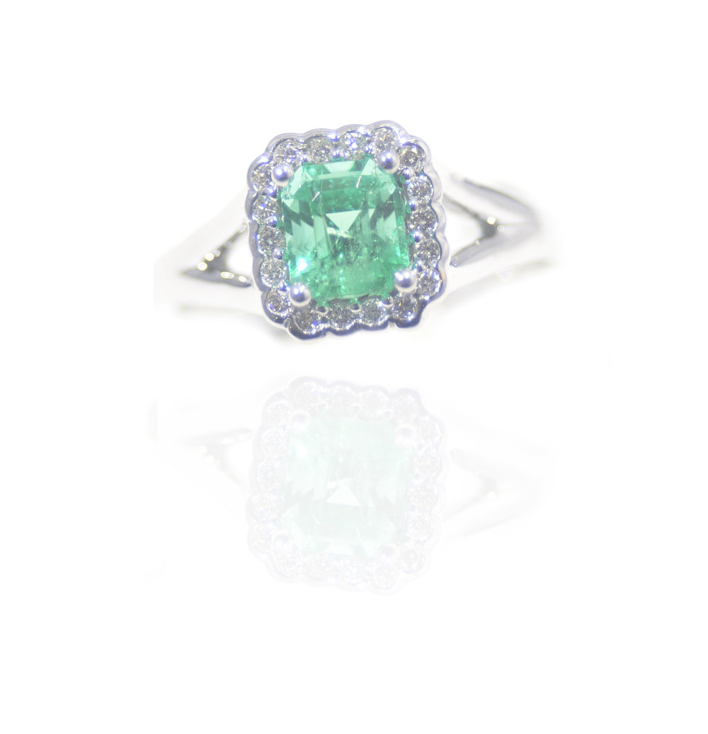 Elegant Emerald ring!