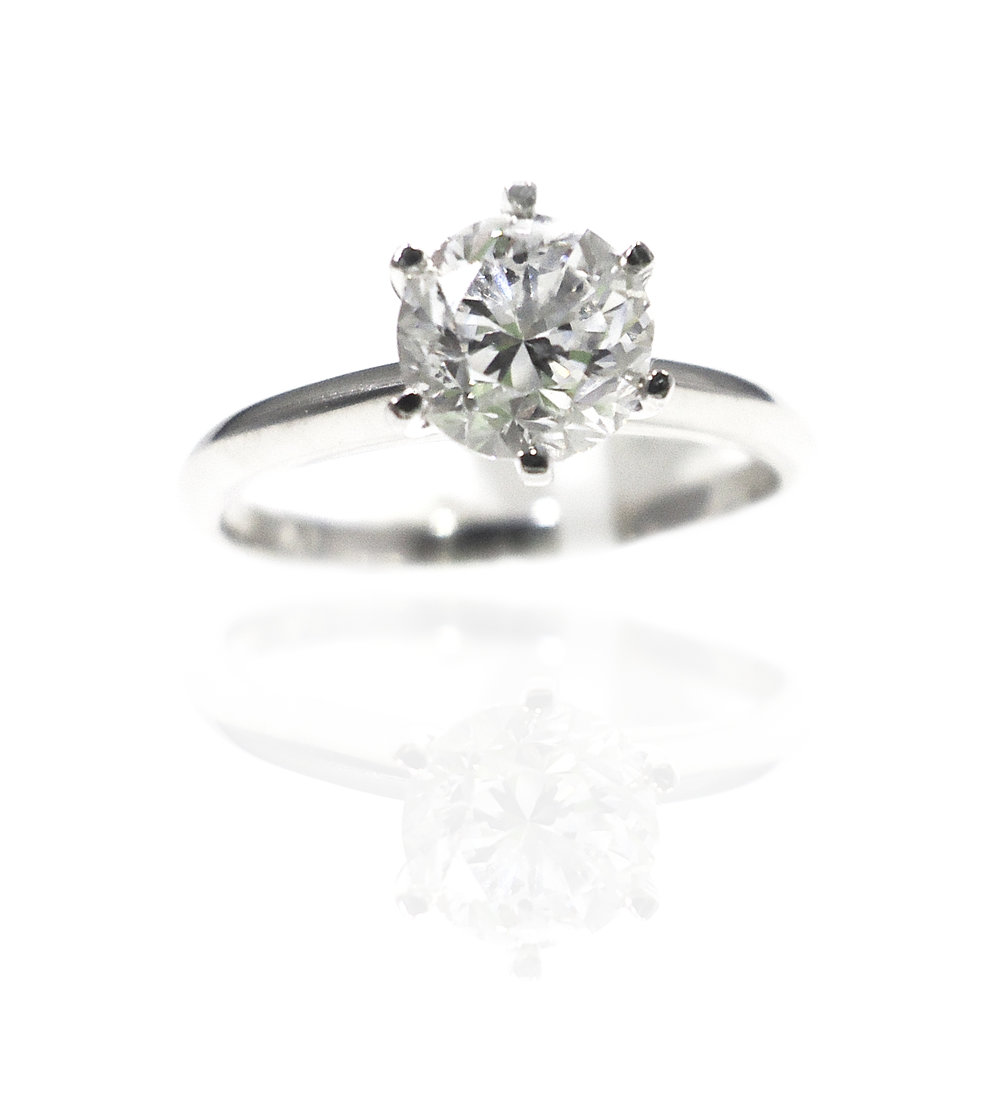 Classic diamond ring!