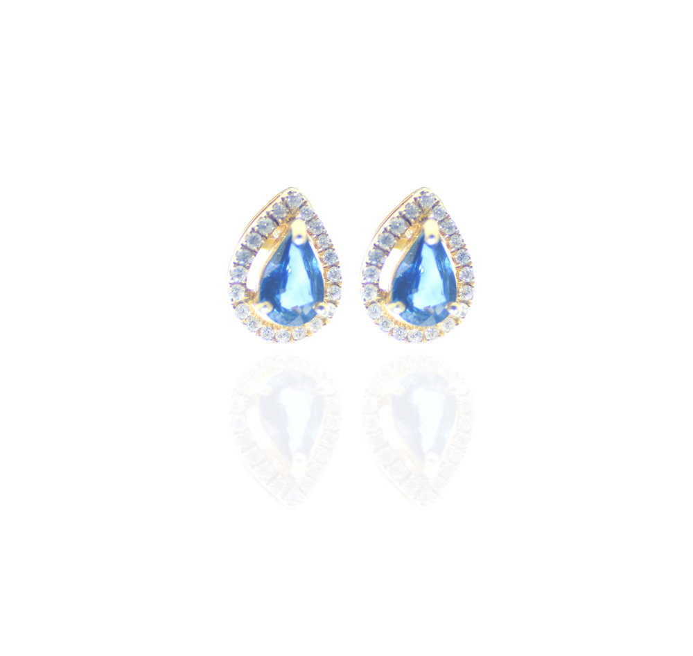 Sapphire pear shape studs!