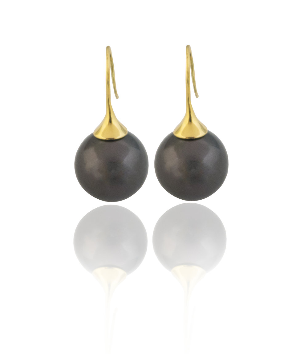 Tahitian pearl drop earrings!