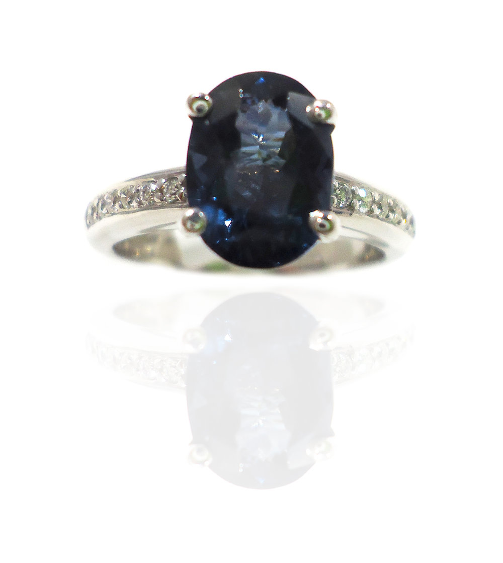 Spinel gem diamond ring!