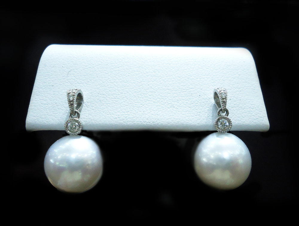 Pearl diamond drop earrings!