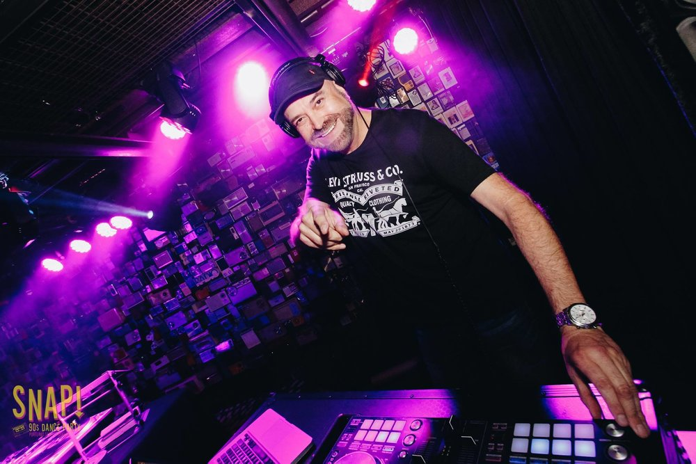 DJ Gary Givant   DJ Gary Givant has been filling dance floors since he was a teenager in the disco era, and has continued to do so for 41 years. Knowledgeable in all genres of club music and able to play the classics, as well as today's hits.