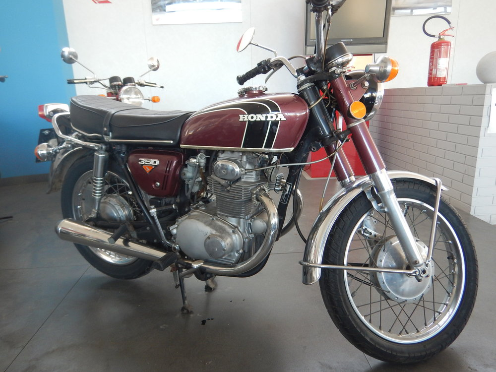 they have quite a collection of bikes from the 1970's. Suzukis, Hondas and Triumph. My first road bike was aHonda 350, just like this one.