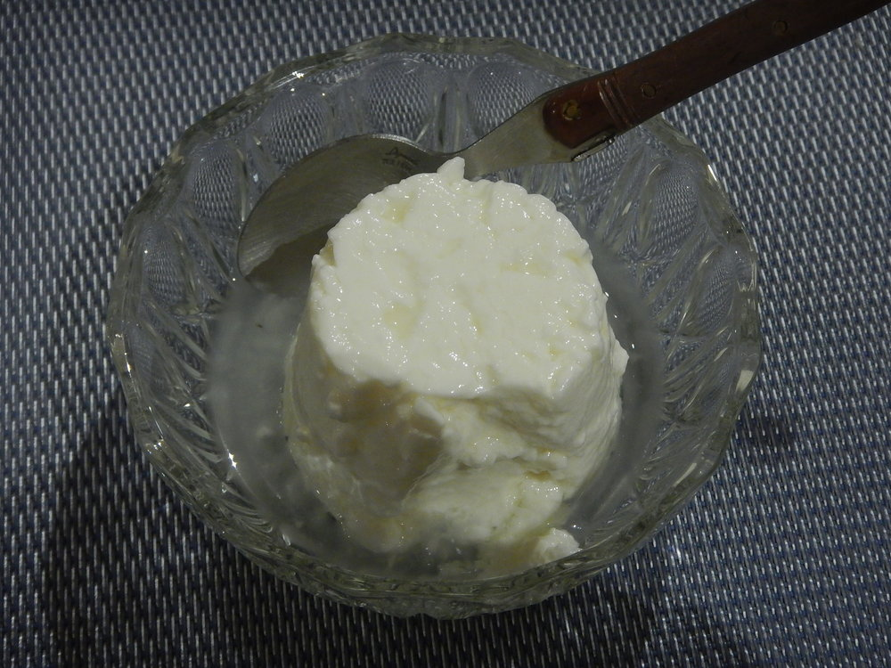 this was the third course in my four course set menu at the bnb. Fresh cottage cheese. I had it without sugar, as the locals do. Soft and tastes a little like yoghurt. Quite pleasant. Followed by puréed apple.