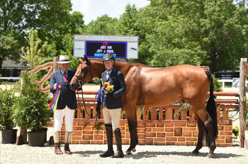 Just Ask, owned by the Roberts Stables, trained by Patty Rogers and ridden by Jeff Gogul,  was imported by Stal de Eyckenhoeve. Photo by Anne Gittins Photography