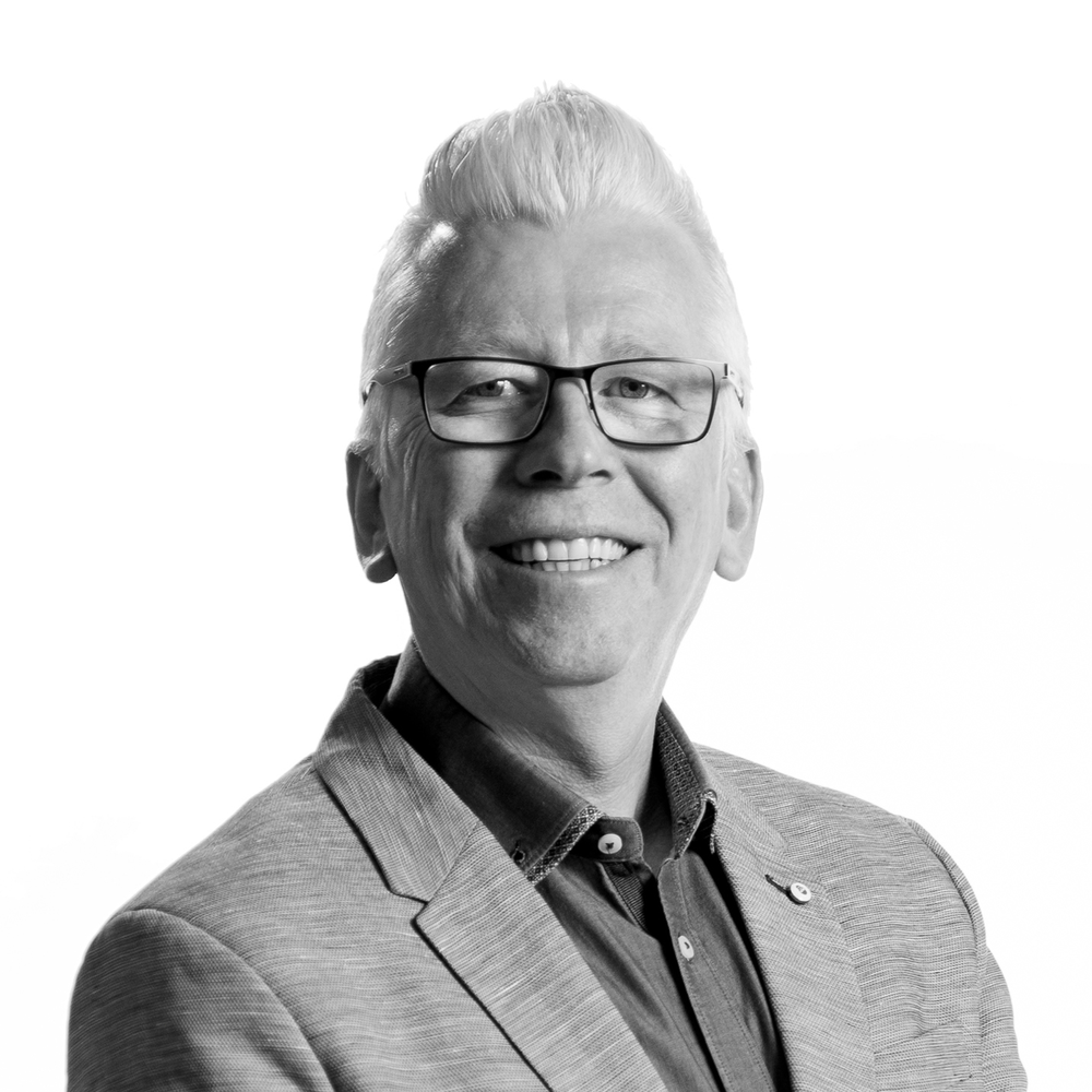 MANAGING DIRECTOR   David Woodbridge   David has more than 20 years experience delivering and managing world-class, state-of-the-art customer experience centres for the likes of Telstra, Optus SingTel, British Telecom, Vodafone, Compaq, and Nortel Network