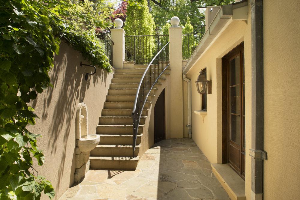 Stairs-0565.jpg