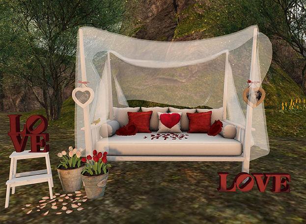 Bee Designs - Love gacha display - The Gacha Garden.jpg