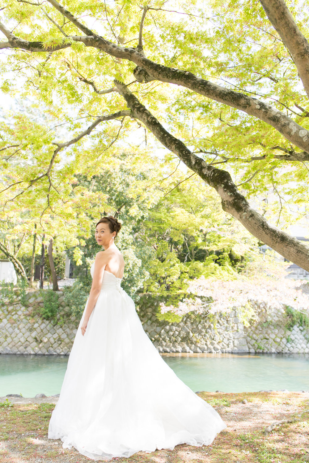 Wedding Photoshoot tour with photographer in Kyoto, Osaka and Tokyo, Japan