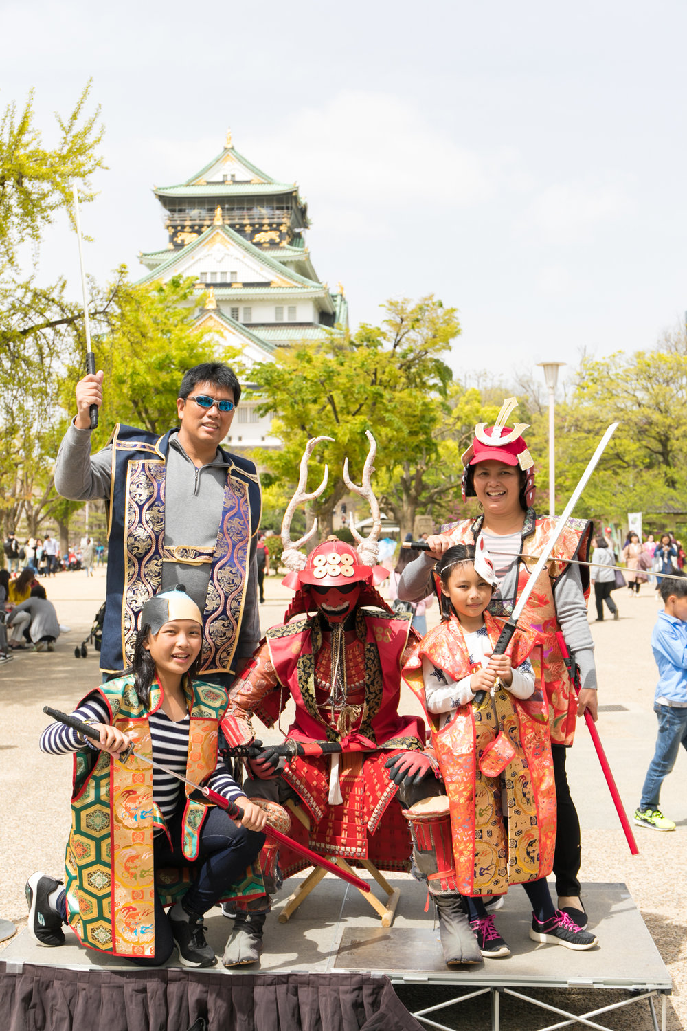 family photoshoot tour in Osaka with photoguider, Japan