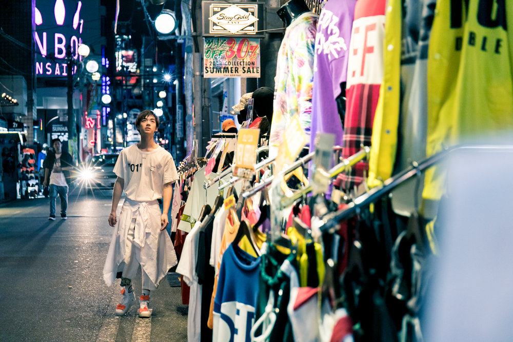 night photoshoot tour in Osaka Japan