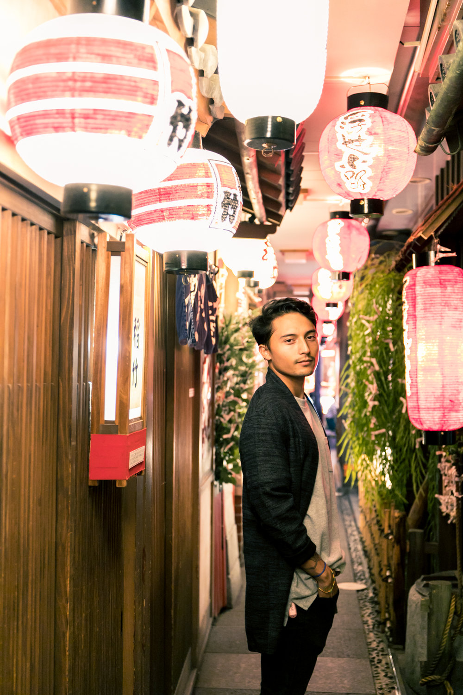 night photo walk tour in osaka and tokyo