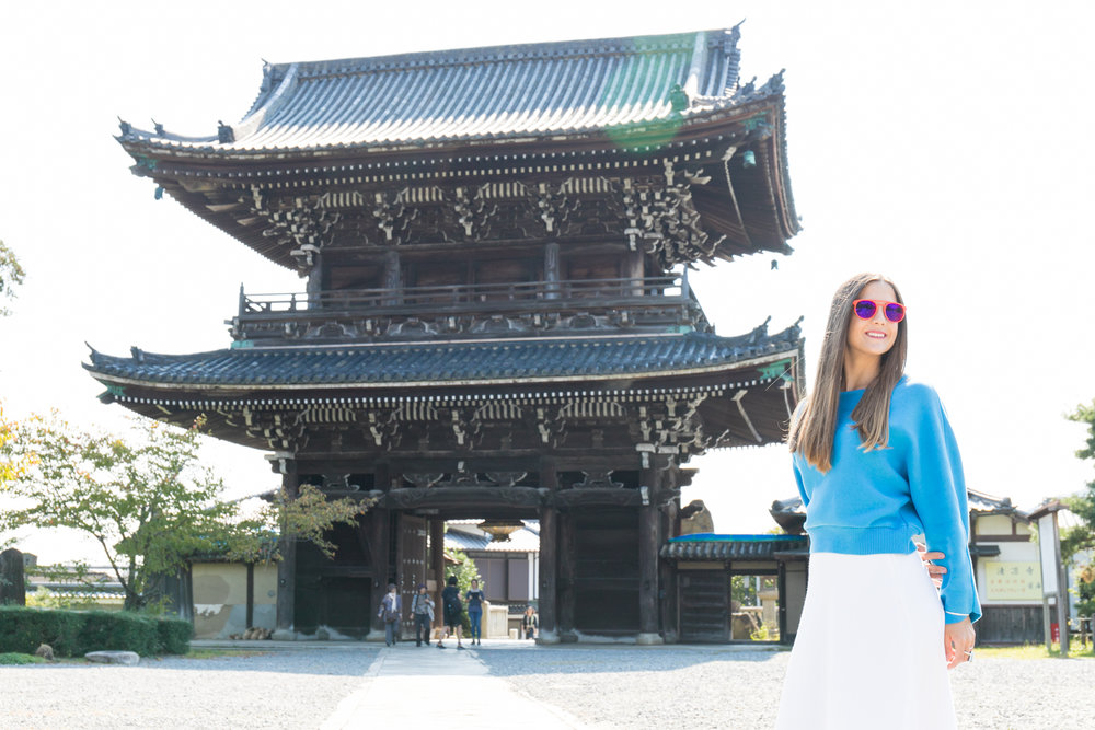 Photoshoot tour in Arashiyama bamboo forest in Kyoto