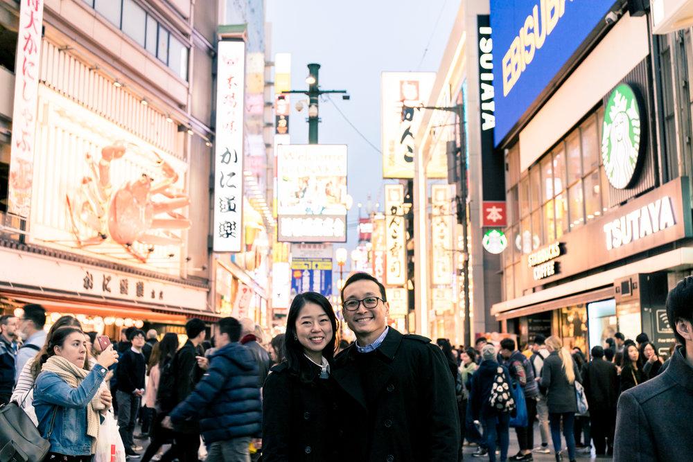Osaka couple photoshoot tour in Osaka castle park and Dotombori